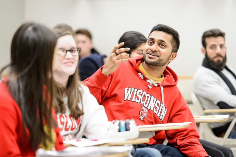 Students take part in a computer class discussion in March 2017. PHOTO: BRYCE RICHTER - See more at: http://news.wisc.edu/campus-project-aims-to-create-engaging-welcoming-classroom-discussions/#sthash.X6zKcgtd.dpuf
