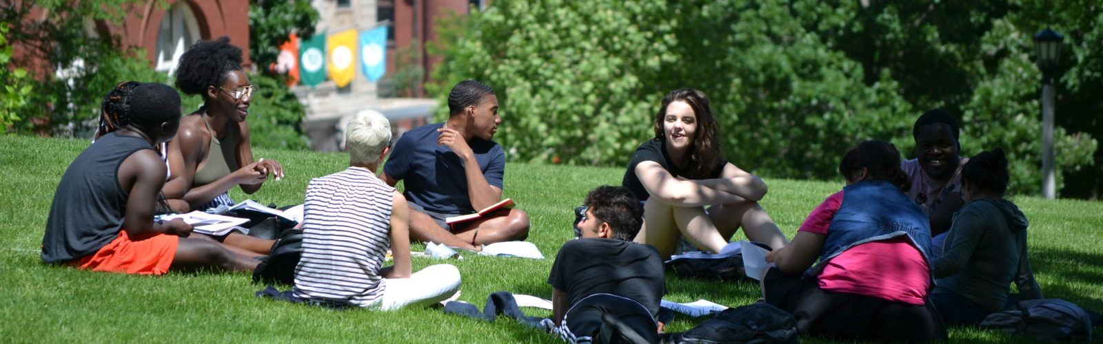 Summer Pre-Law Workshop Students enjoy class on Bascom Hill.