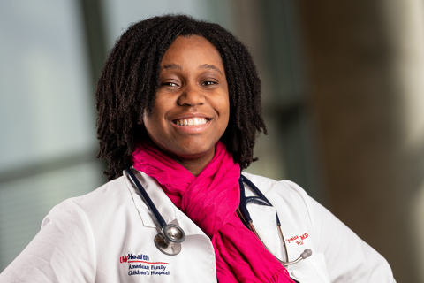 Jasmine Zapata, MD '13, MPH '17 (PG '16, '18), believes that the pathway to improving African American birth outcomes begins long before conception,pregnancy or delivery.